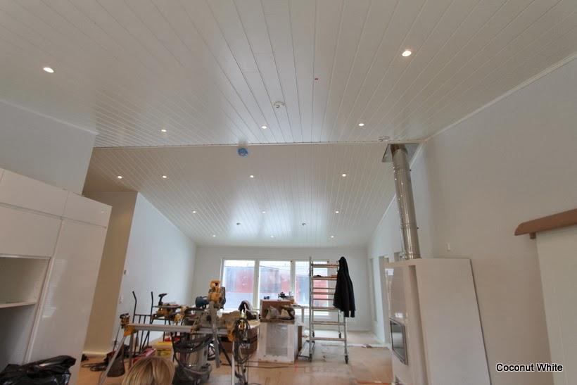 Uuden olohuoneen ja keittiön valkoista ilmettä!  Coconut