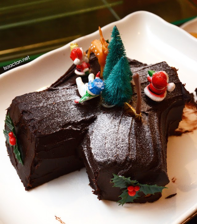 Spread The Warmth Of Christmas 2014 @ Chatz Brasserie, Parkroyal Kuala Lumpur