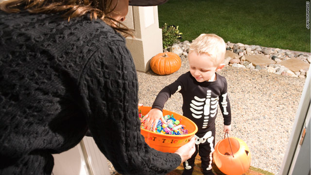 Trick or Treating Safety Tips for a Frightening Good Time