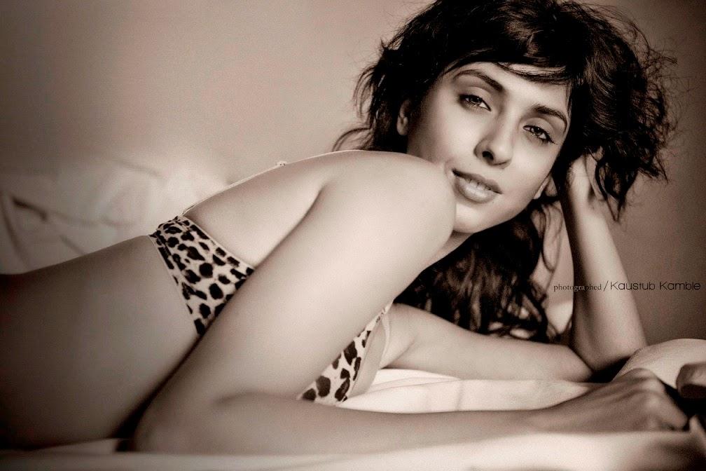 Hot Punjabi Kudi Pooja Bhamrah | Model | Actor | Channel V | Ye Jawani Ra Ri Ri