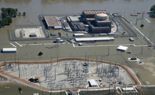 This power plant in Nebraska was not operational when the Missouri River flooded in 2011. If it was, the consequences could have been dire. (Credit: Nebraska Power} Click to enlarge.