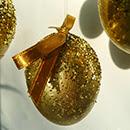 DIY Oeufs de Pâques décorés à paillettes