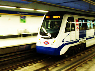 Metro Madrid L-12 (metro sur)      Madrid, Spanyol.