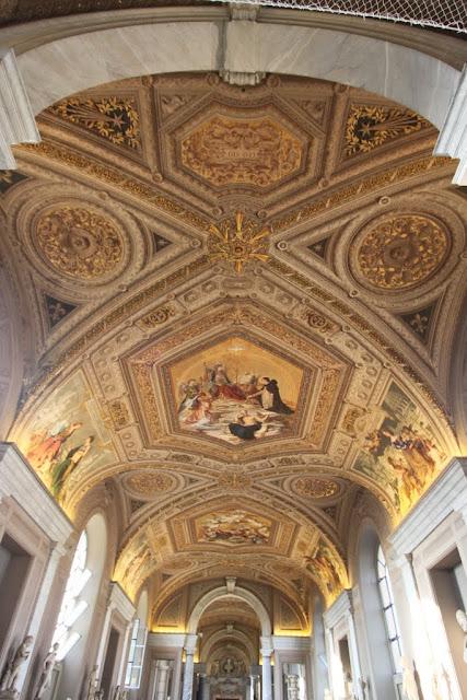 Galleria dei Candelabri in Musei Vaticani (Vatican Museum) in Vatican City, Rome, Italy