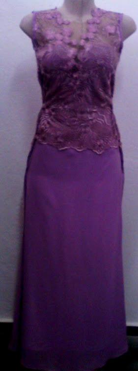 vestido de renda com tule