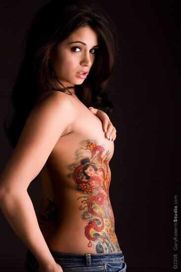hot girl tattoo