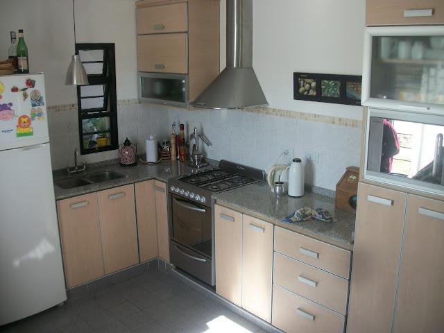Estilocolor cocina hipolitti for Cocinas con granito gris