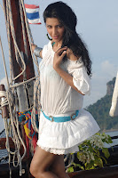 Sruthi Hassan In White Dress