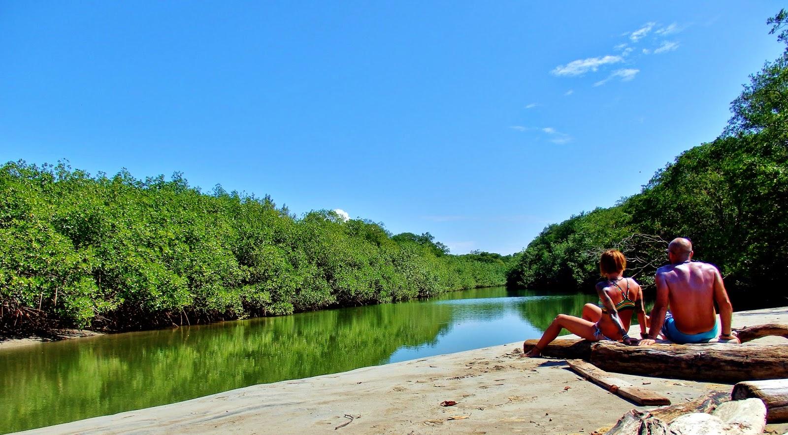 Estero al final de Playa Garza, Costa Rica.