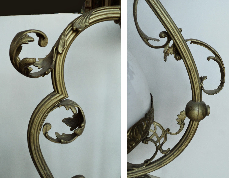 lampadario antico : Antico lampadario in bronzo con campana in opaline Antique bronze ...