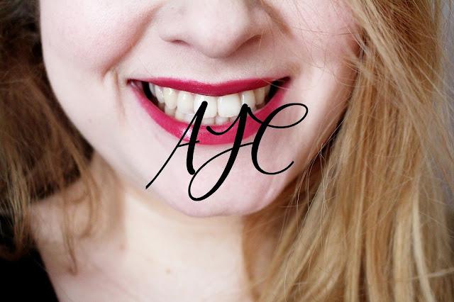 Rouge à lèvres sombres AJC pour vous