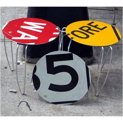 znaki drogowe, płyty winylowe, Stolik, Salon, centymetr, rurka miedziana, table, DIY, drugie życie rzeczy, recycling, recykling,