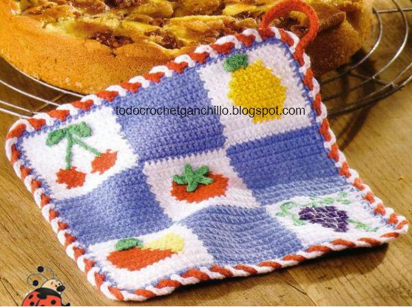 Agarradera crochet a cuadros y frutas