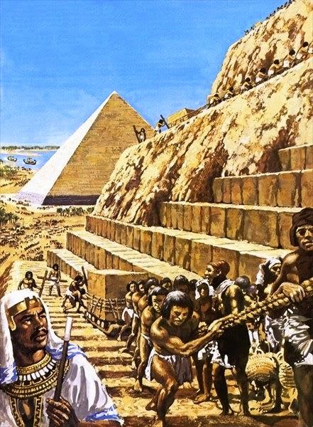 slaves building the pyramids