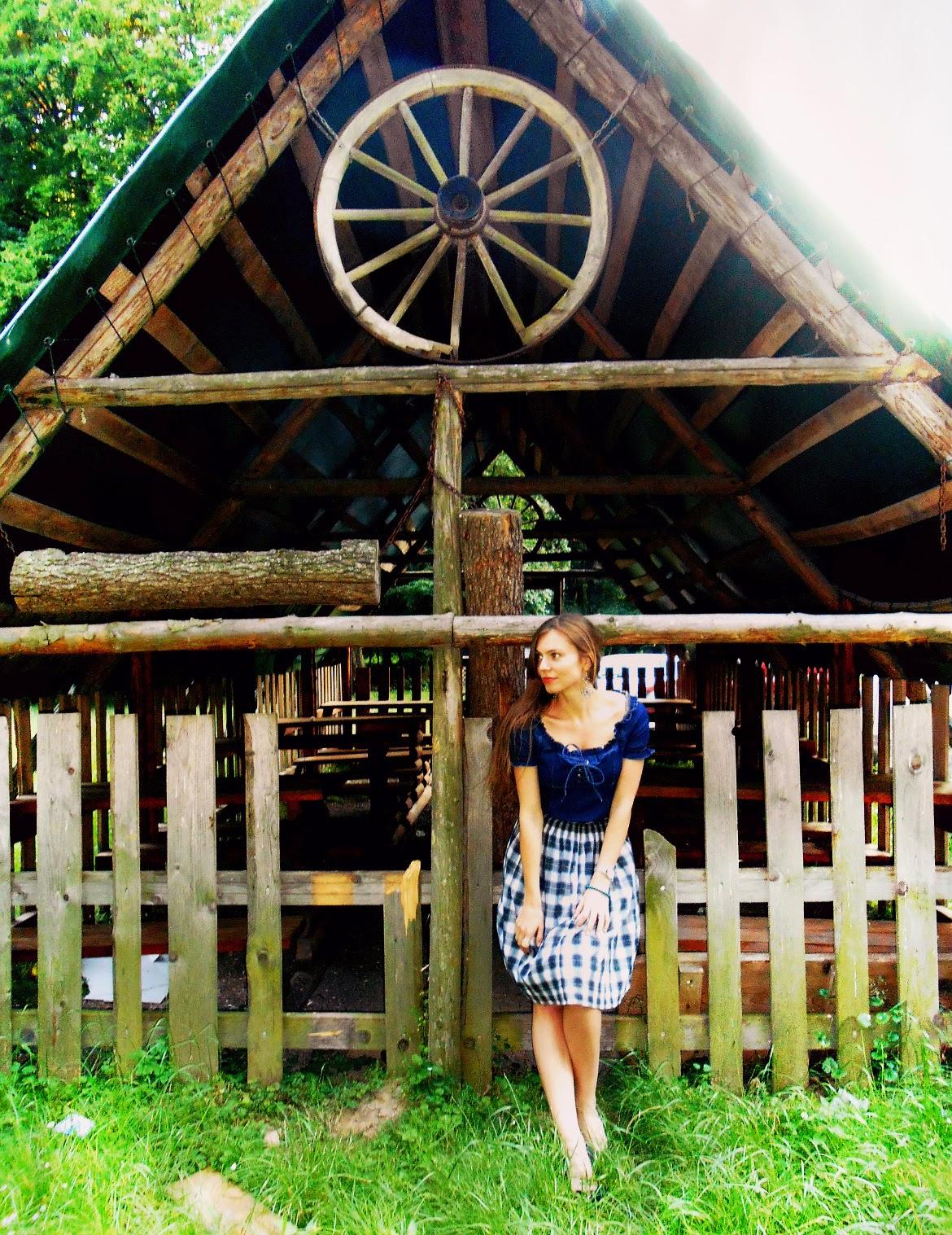 retro outfit, denim blouze, retro skirt
