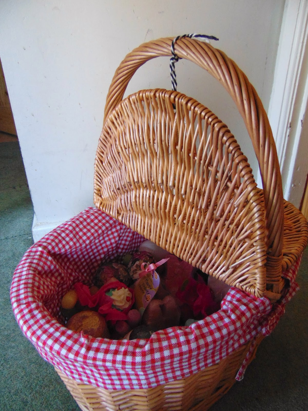 vintage bath bomb basket lush bom cosmetics joules