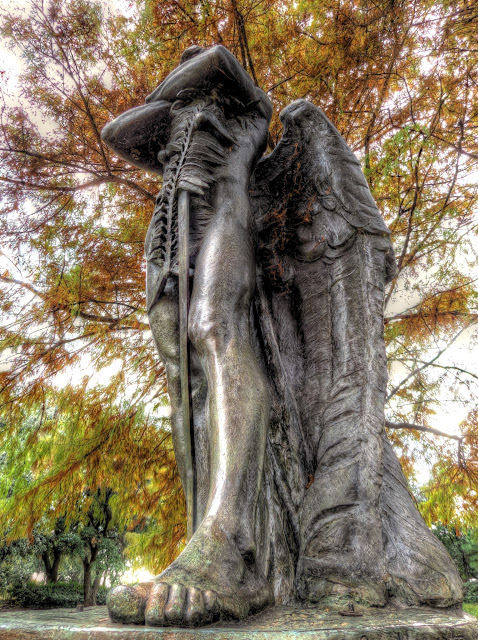 The Pirit of the Confederacy - Memorial to fallen soldiers of the Confederacy at Sam Houston Park in Houston Texas - HDR