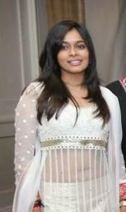 TV Anchor Maanada Mayilada Keerthi Navel Gallery