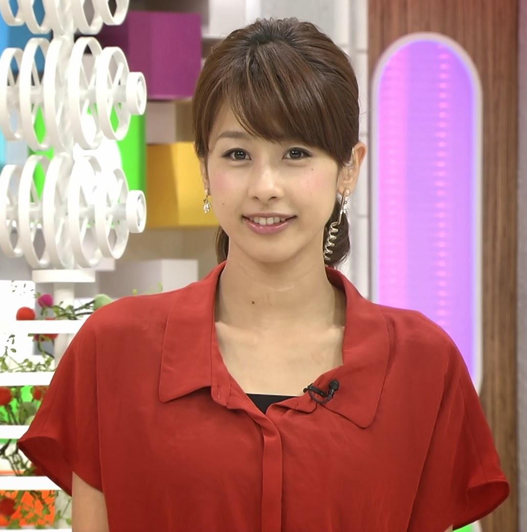 赤いブラウスの加藤綾子