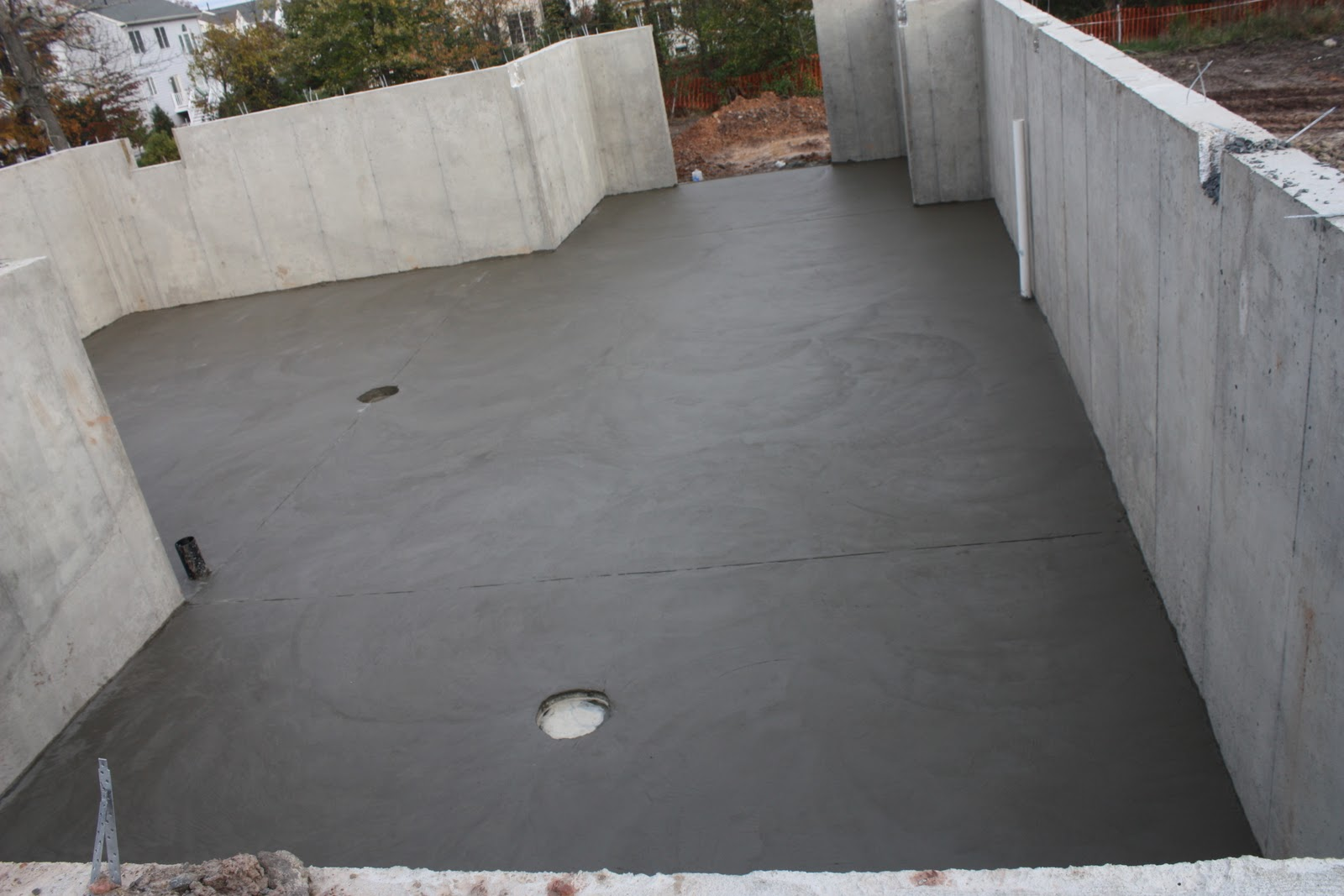 Rome adventure we have concrete slab in garage and basement for Pouring concrete garage floor