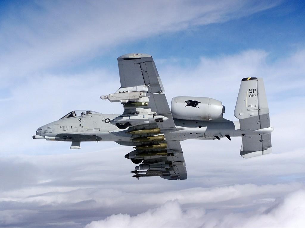 http://2.bp.blogspot.com/-6qnHFhlK1Qs/TeaWpZue5TI/AAAAAAAAFPs/o1qZvh6HYuQ/s1600/A-10+Thunderbolt+II+%25281%2529.jpg