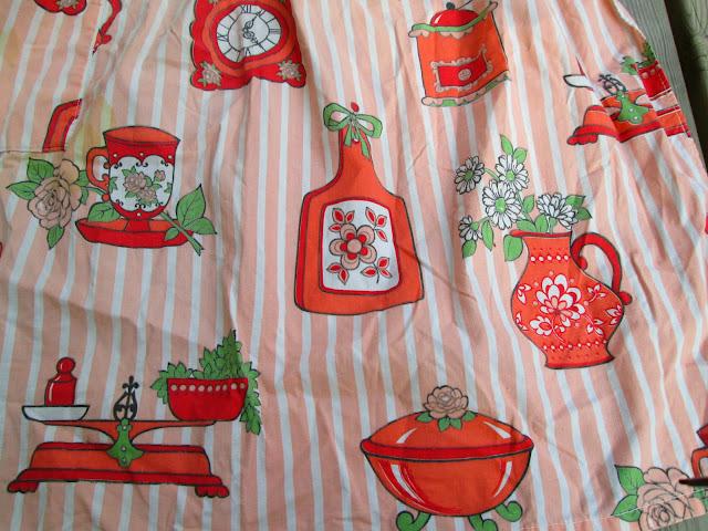 1950's pink apron cotton novelty kitchen