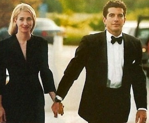 Style Icon: Carolyn Bessette Kennedy | In Jackie\'s Shoes