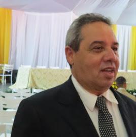 O EMPRESÁRIO SÉRGIO GOMES