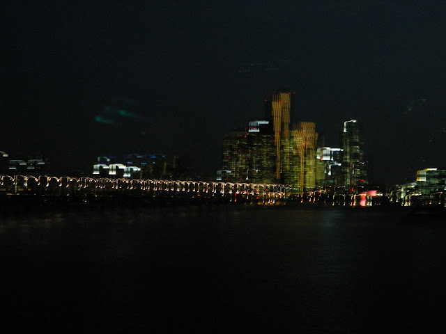 Han River and the tall buildings