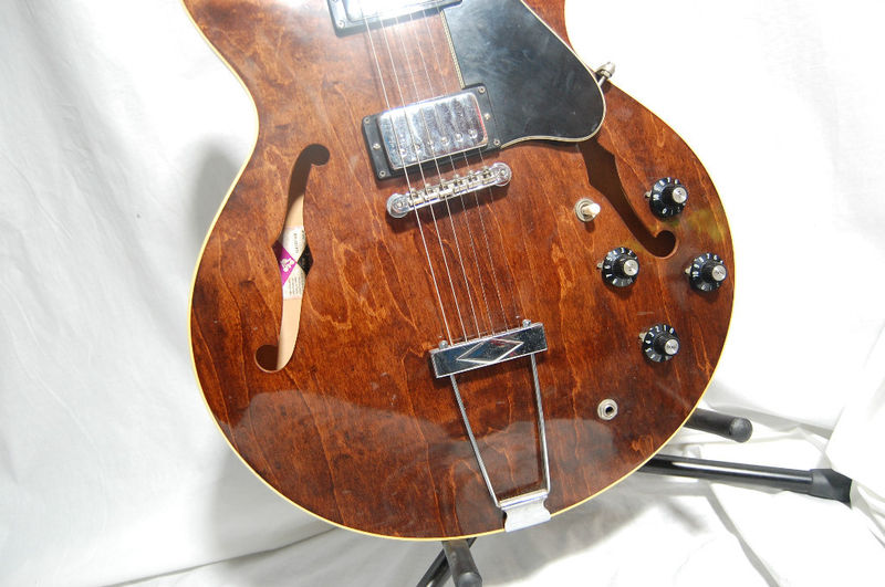 dating-vintage-gibson-acoustic-guitars
