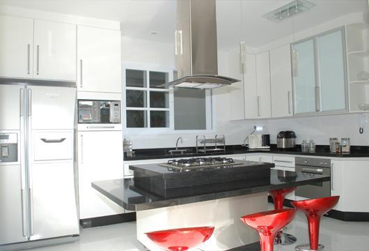 Cozinhas planejadas Cozinha com bancada  Lindas e modernas! # Bancada Cozinha Simples