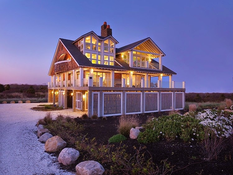 http://www.homeadore.com/2013/06/18/rhode-island-cottage-burgin-lambert-architects/