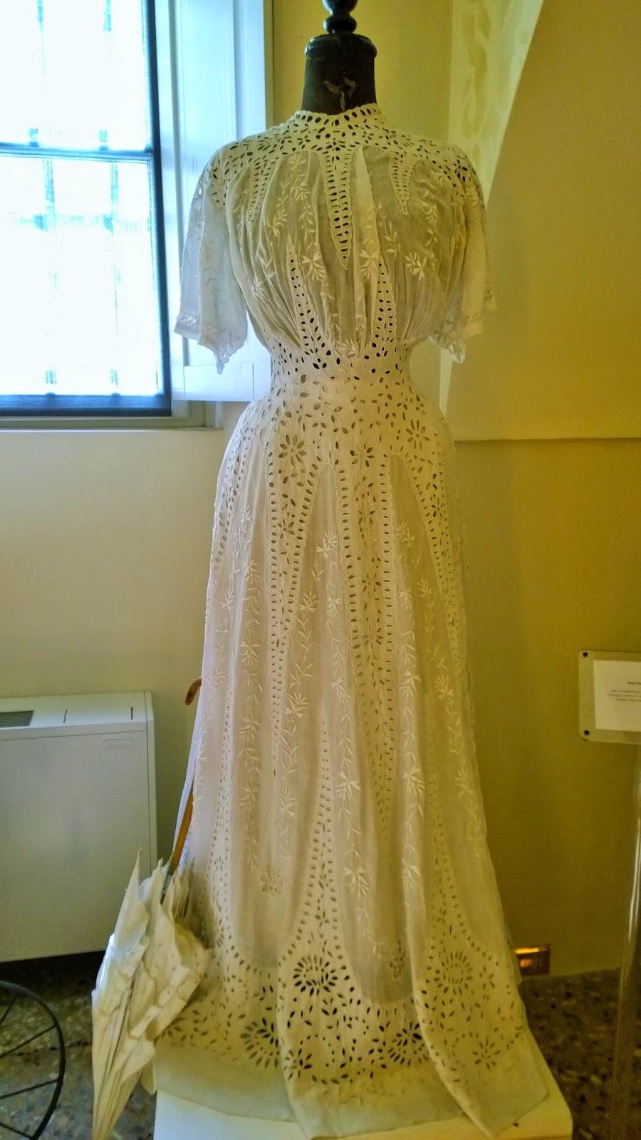 Wedding dress - 1870-1880