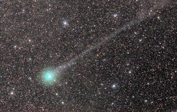 Komet C/2014 Q2 (Lovejoy) Semakin Cerlang di Langit Bumi!