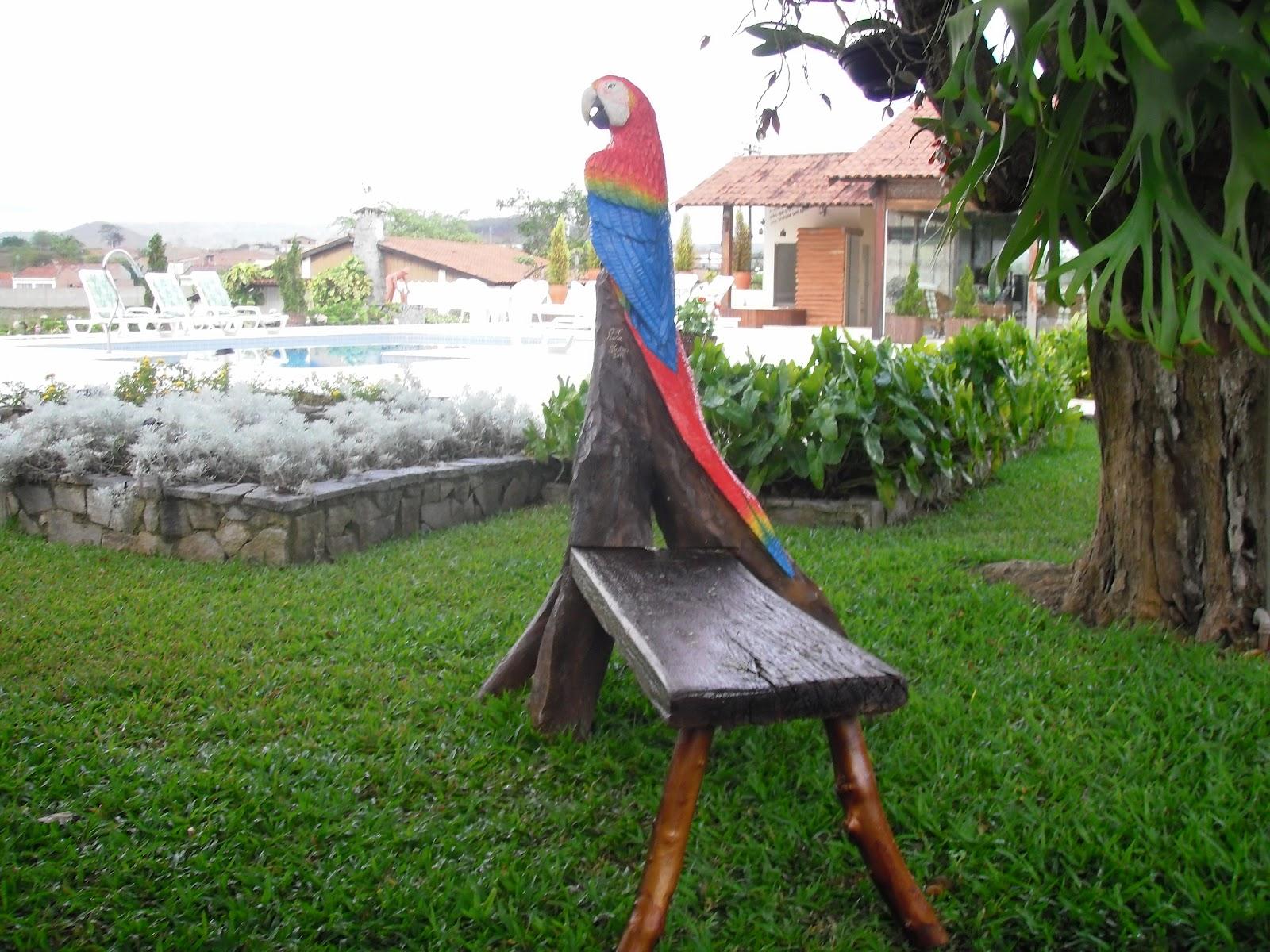 Artes em Madeira: Araras vermelhas de madeira #3F6620 1600x1200