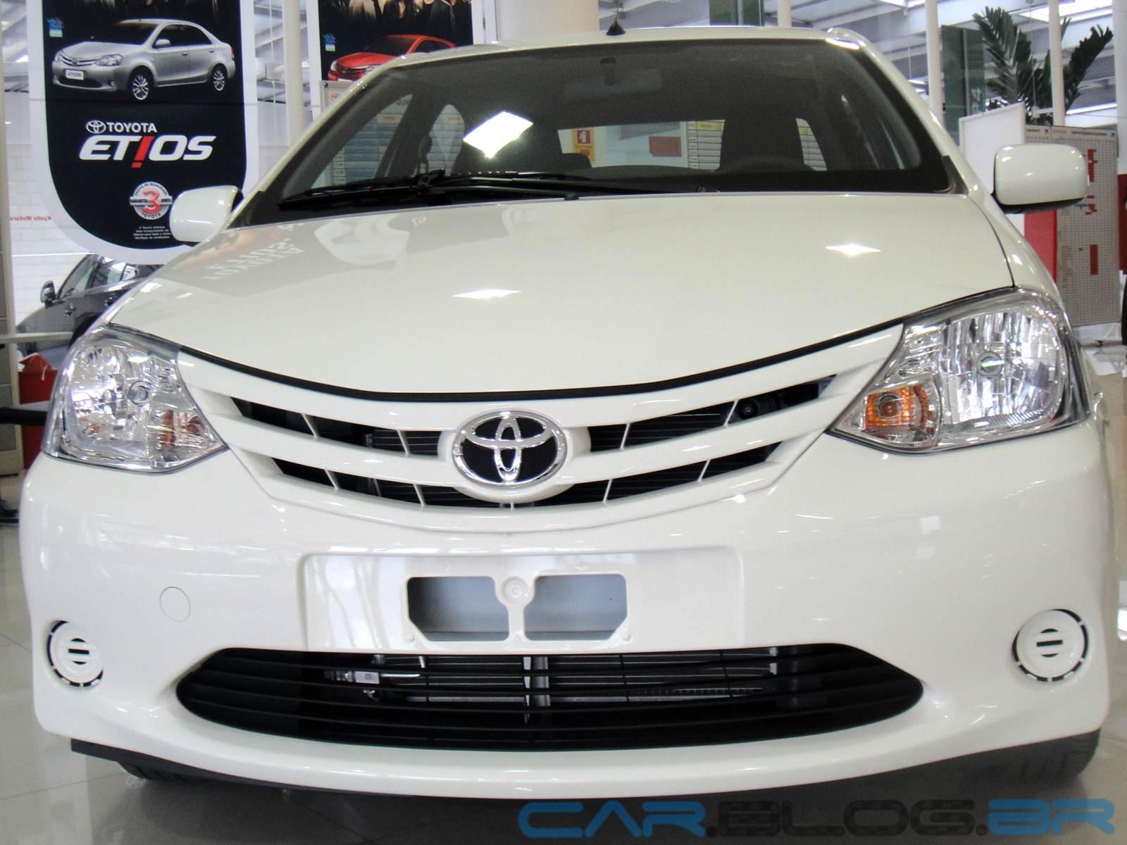 Toyota Etios Sedan XS 1.5: fotos, preço, consumo e ficha técnica