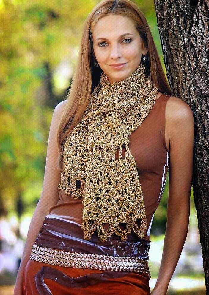 Bufanda de seda liviana tejida al crochet , con patrones en español