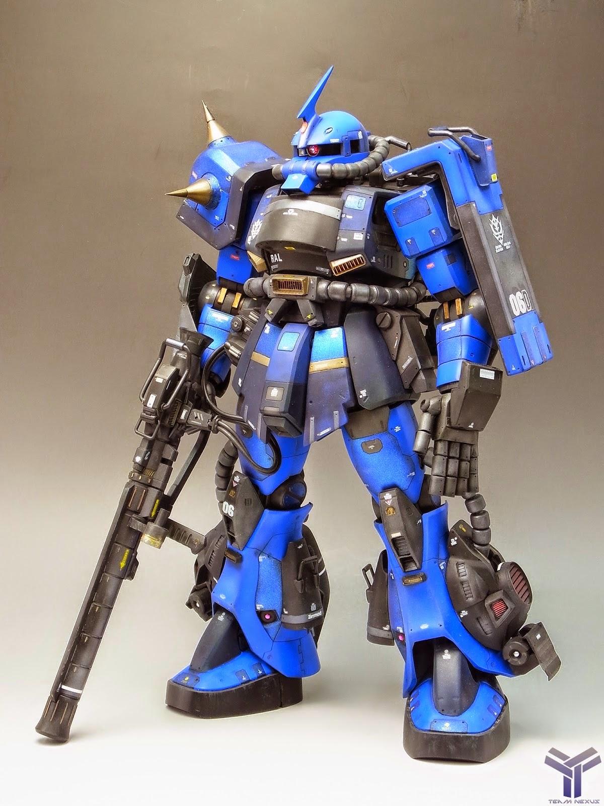 Megasize Zaku II modeled by G-Cool Studiophoto