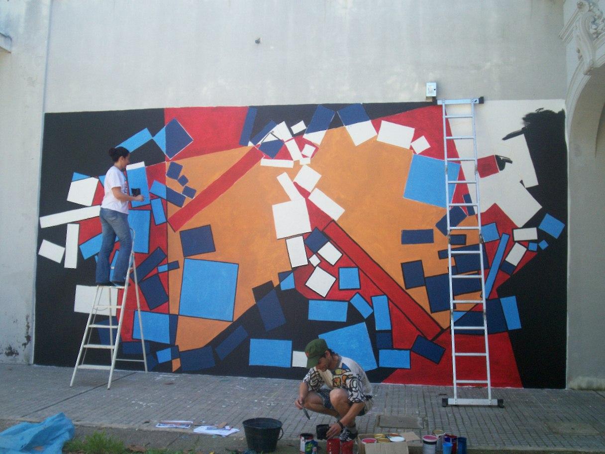 Arte en la escuela intervenciones artisticas pintada for Arte colectivo mural