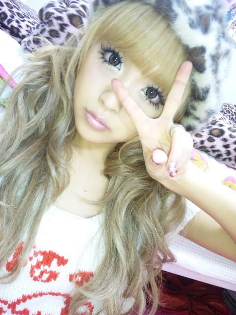 Memi La: Gyaru Model Looks Part 2: Nana Suzuki Makeup