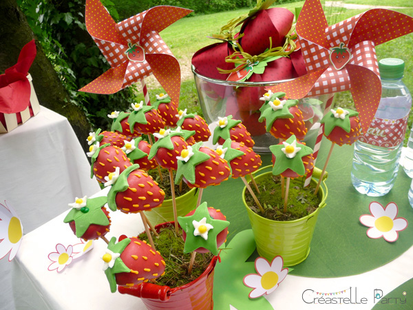 CreastelleParty - Fraise Kawaii - cake pops fraise / Kawaii Strawberry - strawberry cake pops