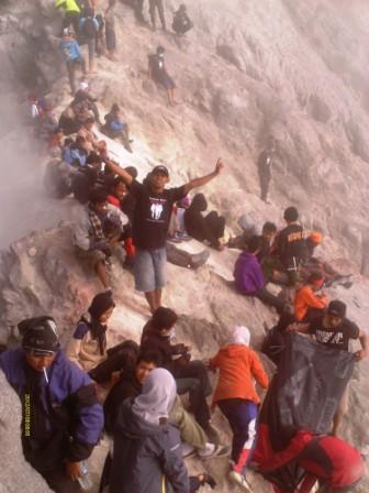 puncak merapi erupsi