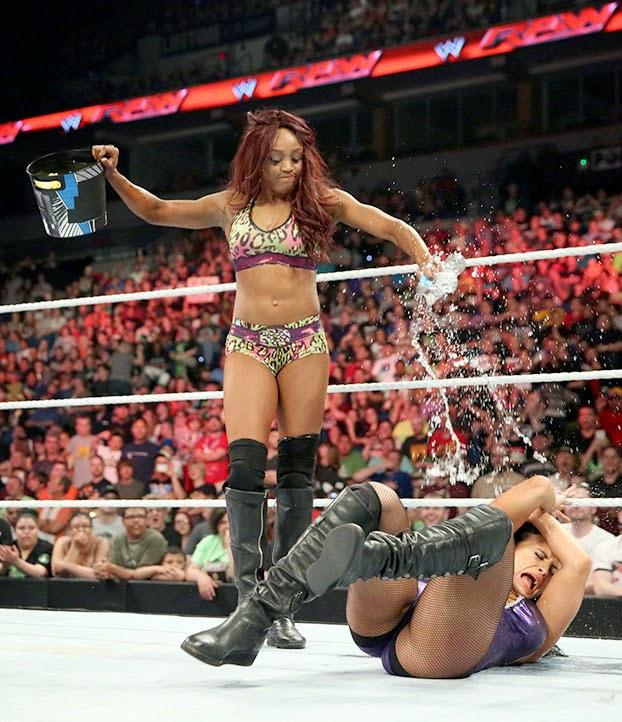 WWE-wwe divas-alicia fox-aksana