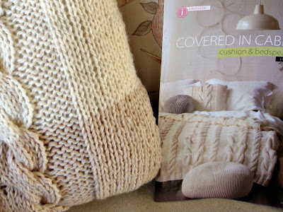 Knitting Pattern Central Pillows : FREE CHUNKY CUSHION COVER KNITTING PATTERN - VERY SIMPLE ...
