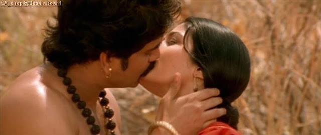Raveena Tandon Old time Lipkiss Hot