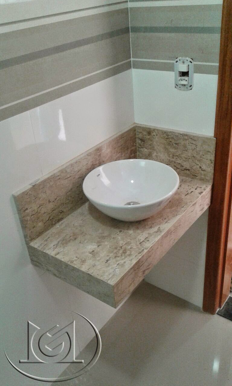 Bancadas no granito verde ubatuba e mármore bege bahia  Marmoraria Goiás e M -> Decoracao De Banheiro Com Bancada De Granito