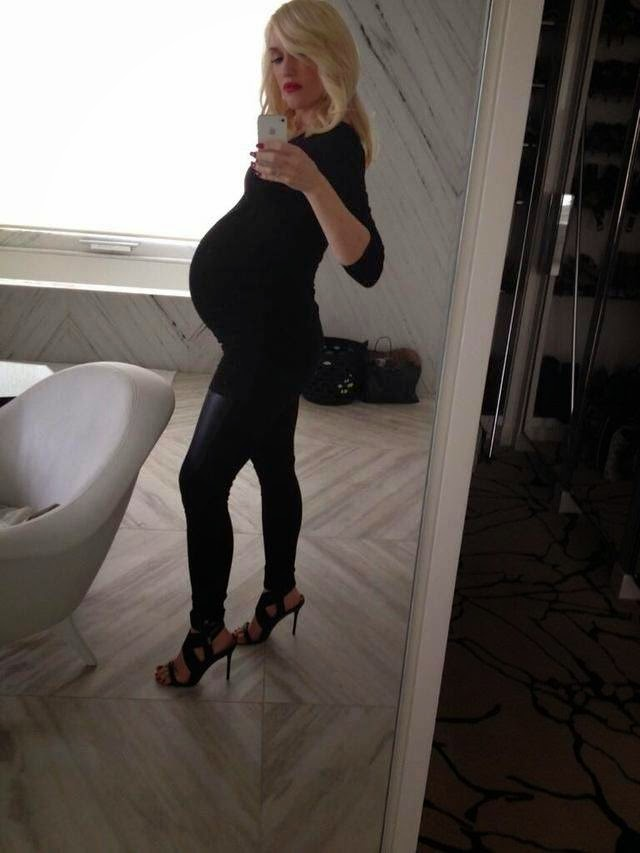 Pregnant Gwen Stefani During Pregnancy