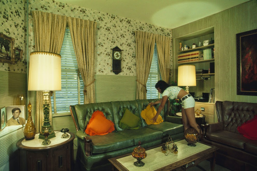 30 incredible photographs that capture 1970s america 39 s for Classic house from the 90s