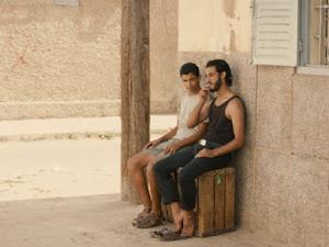 En Marruecos condenan a cuatro meses a dos hombres que se besaron en público