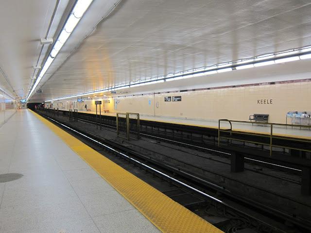 Keele subway station platform